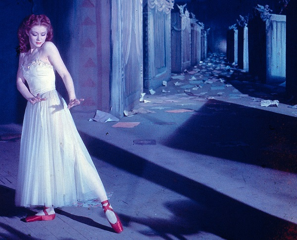 The Red Shoes small